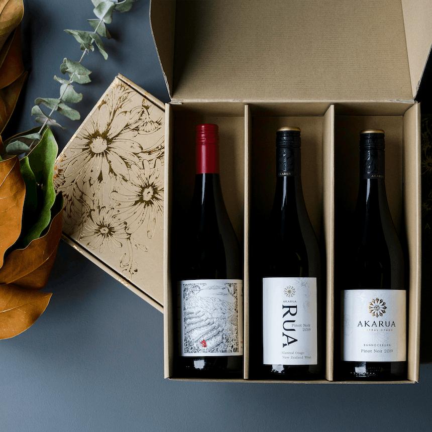 Akarua 3 pack Pinot in box E Jones copy